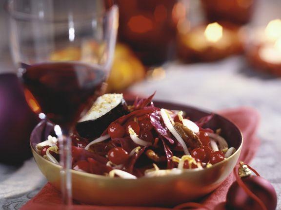 Weihnachtliches Wildfleisch mit Preiselbeeren, Sprossen und Sushi