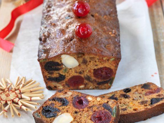 Weihnachtskuchen mit Trockenfrüchten