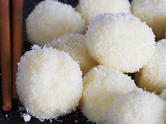 Weiße Schoko-Kokospralinen