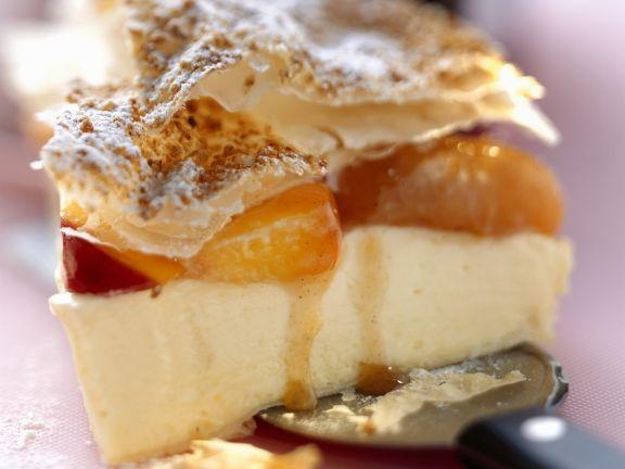 Weiße Schokoladentorte mit Pfirsich-Aprikosen-Kompott