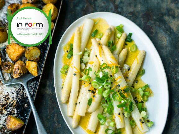Weißer Spargel mit Maracuja-Dressing und Currykartoffeln