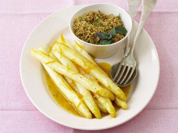 Weißer Spargel mit Orangensauce und Couscous