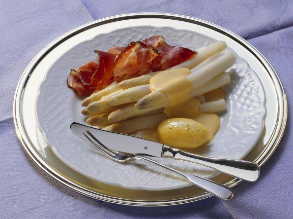 Weißer Spargel mit Sauce Holandaise