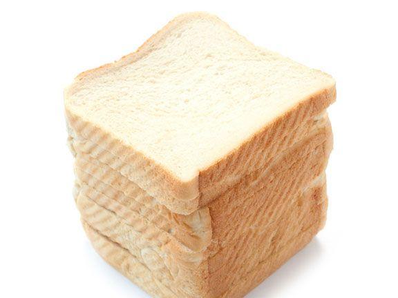 Stapel von weißem Toastbrot