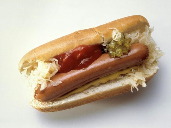 wiener w rstchen mit kraut und hot dog sauce rezept eat smarter. Black Bedroom Furniture Sets. Home Design Ideas