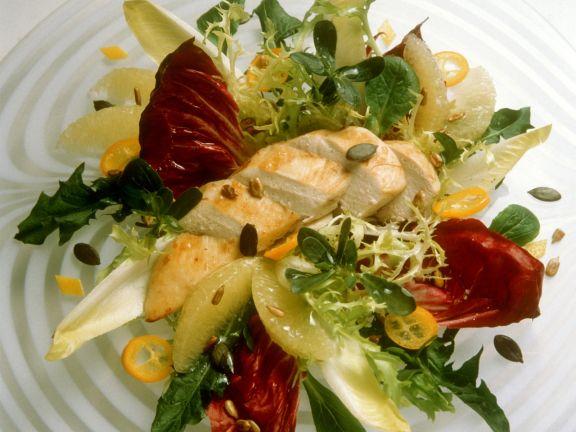 Winterlicher Blattsalat mit Hähnchen