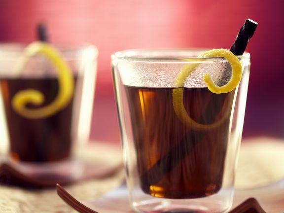 Winterlicher Lakritze-Drink mit Black-Sambuca
