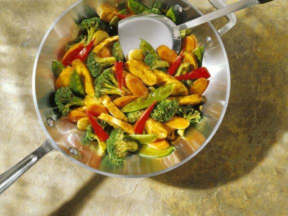 Wok-Gemüse mit Hähnchen