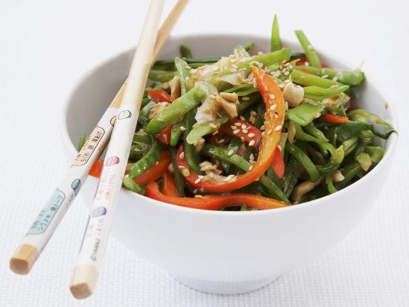 Wok-Gemüse-Pfanne mit Cashewnüssen