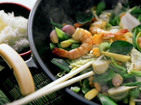 Wokgemüse mit Garnelen