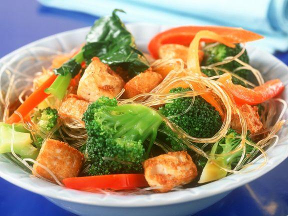 Wokgemüse mit Nudeln und Tofu