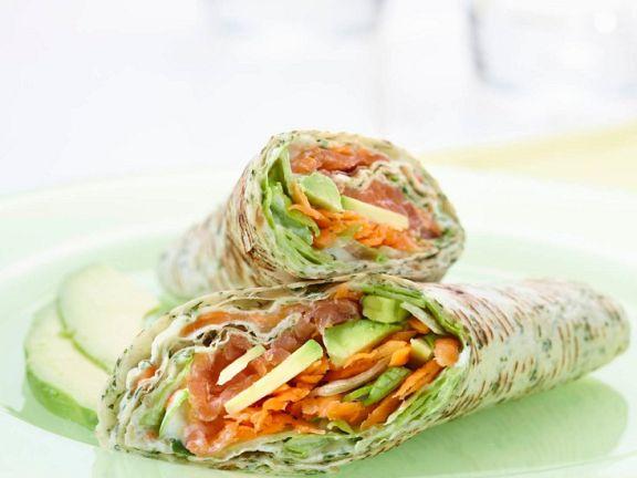 Wraps mit Avocado und Lachs