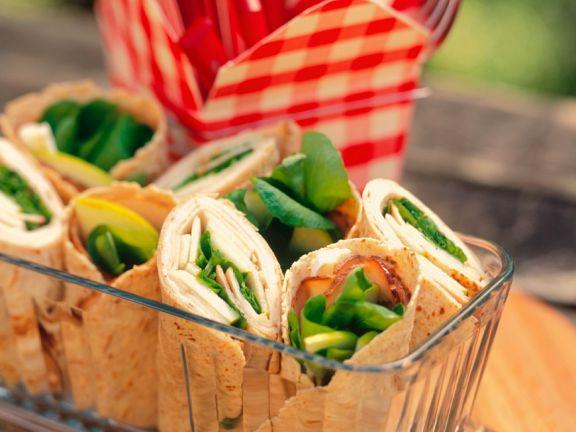 Wraps mit Avocado und Pute