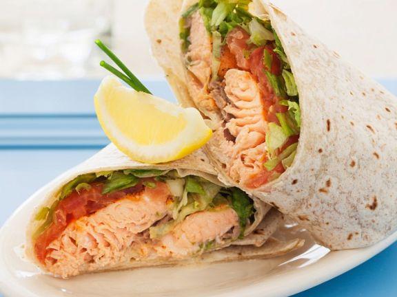 Wraps mit Lachs und Tomaten