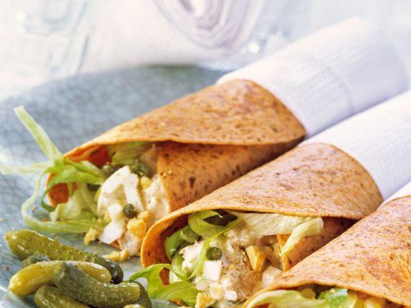 Wraps mit Thunfisch-Eiersalatfüllung
