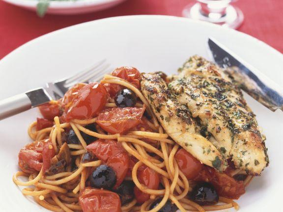 Würzige Hähnchenbrust und Spaghetti mit scharfer Soße