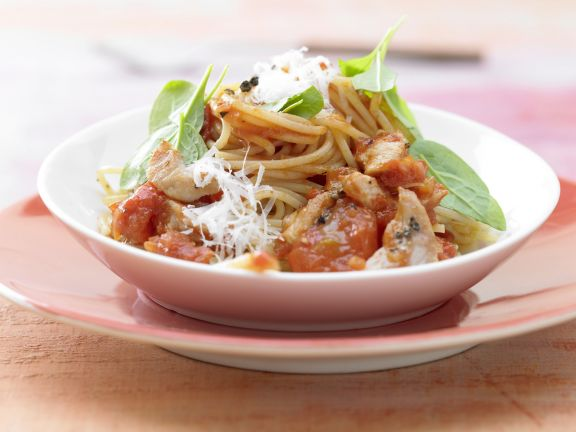 spaghetti mit tomatensauce rezept eat smarter. Black Bedroom Furniture Sets. Home Design Ideas