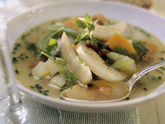 Wurstsuppe mit Gemüse (Metzelsuppe)