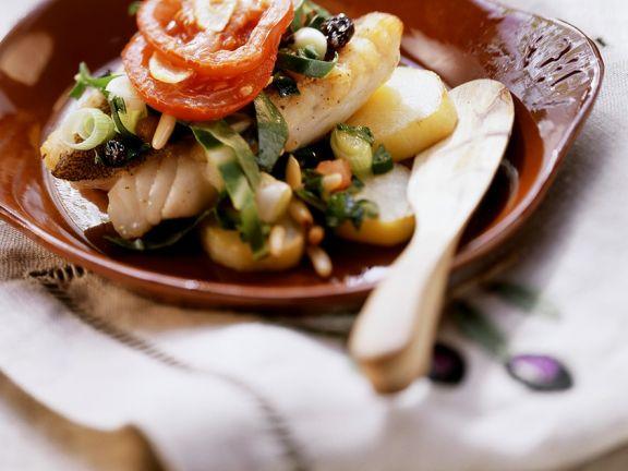 Zackenbarsch mit Gemüse im Ofen gebacken