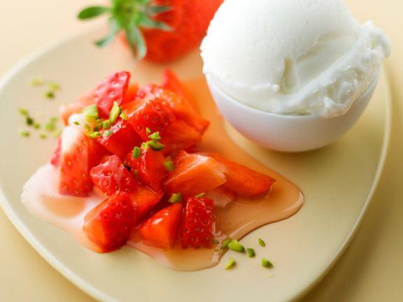 zitronensorbet mit erdbeeren rezept eat smarter. Black Bedroom Furniture Sets. Home Design Ideas