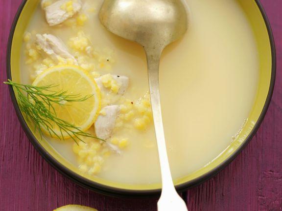 Zitronensuppe auf griechische Art mit Hühnchen