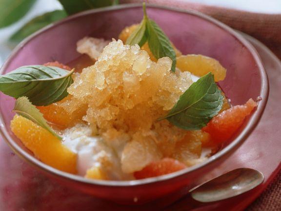 Zitrusfruchtgranita mit Sahne