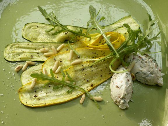 Zucchini-Carpaccio - Leicht, aromatisch, fleischlos: italienischer ...