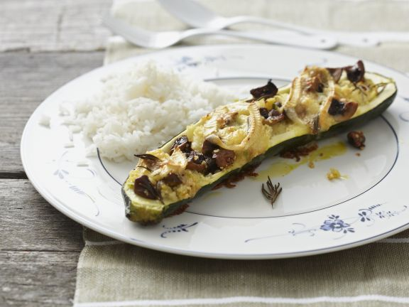 Zucchini gefüllt mit Brie und Champignons