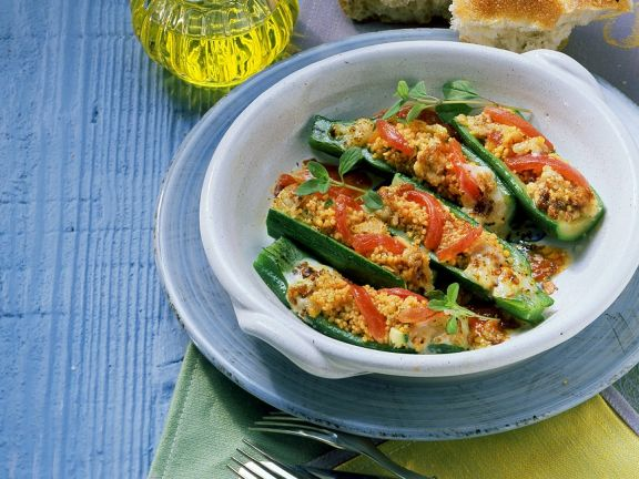 Zucchini mit Couscous-Füllung