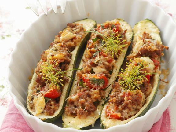 Zucchini mit Hackfleisch-Graupen-Füllung