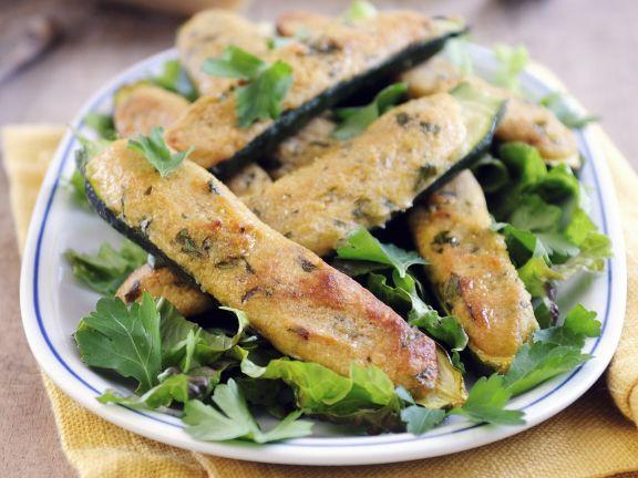 Zucchini mit Parmesancreme gefüllt