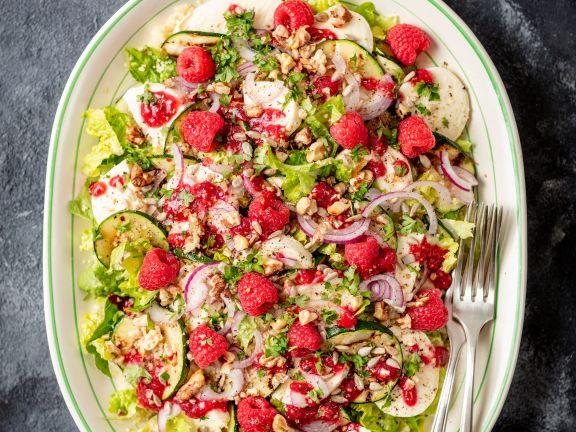Zucchini-Mozzarella-Salat mit Himbeer-Dressing