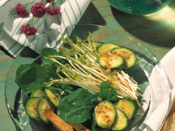 Zucchini-Rauke-Salat