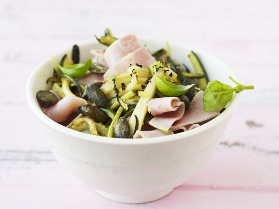 Zucchini-Schinken-Salat