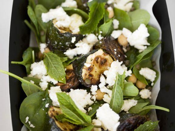 Zucchini vom Grill mit Spinat, Ziegenkäse und Kichererbsen