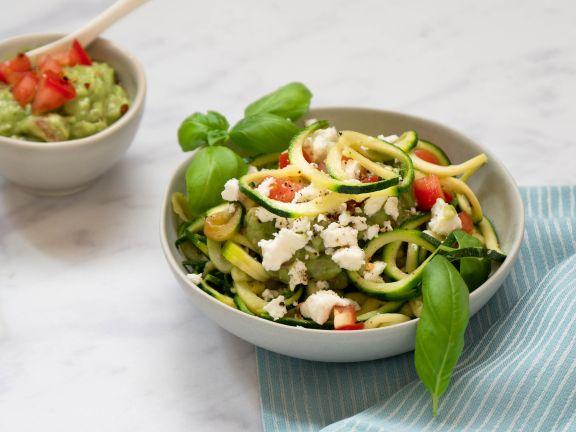 Zucchininudeln mit Avocado-Pesto