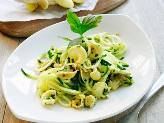 Zucchininudeln mit Pilzen