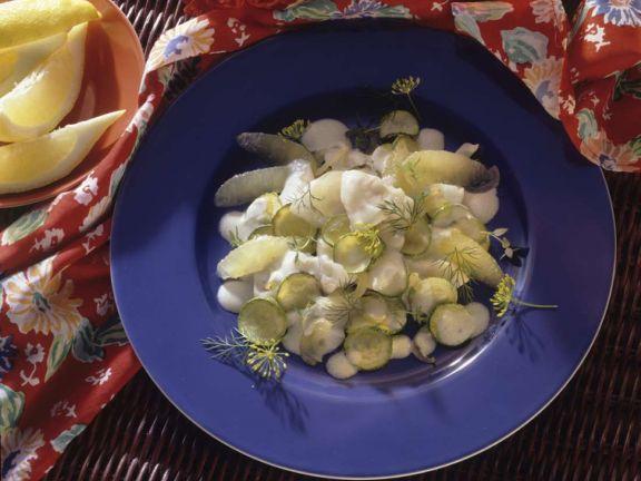 Zucchinisalat mit Fisch