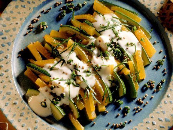 Zucchinisalat mit Kürbis