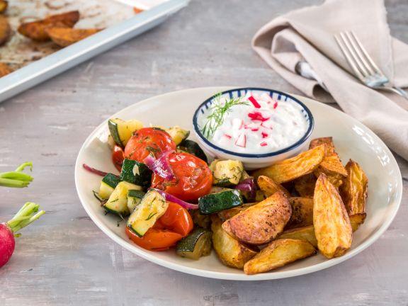 Zucchinisalat mit Ofenkartoffeln