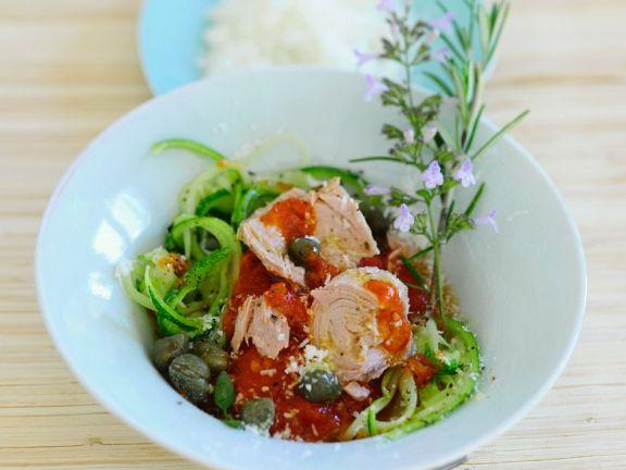 Zucchinistreifen mit Thunfisch