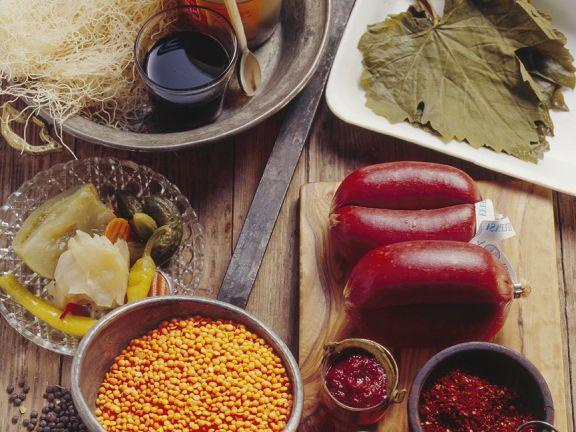 Zutaten für die türkische Küche Rezept | EAT SMARTER