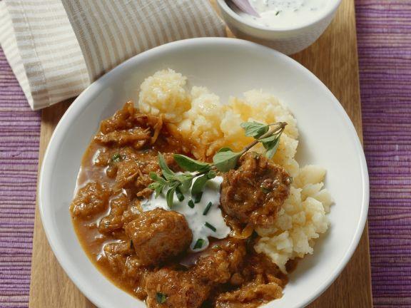Zwiebelragout mit Paprika und Sauerkraut
