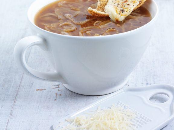 Zwiebelsuppe wie in Frankreich