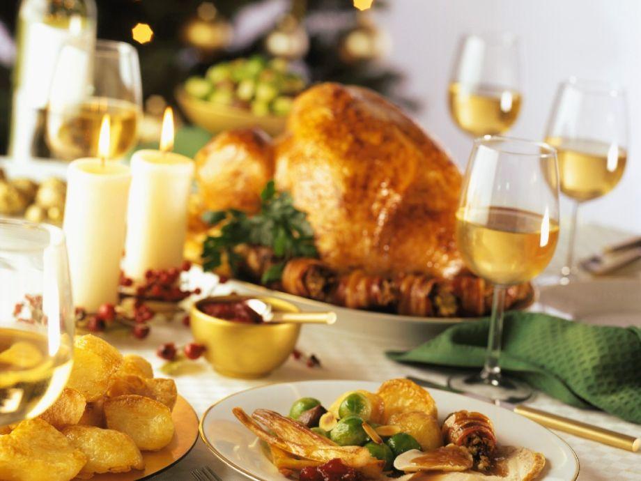 traditional christmas dinner - Traditional Christmas Meal
