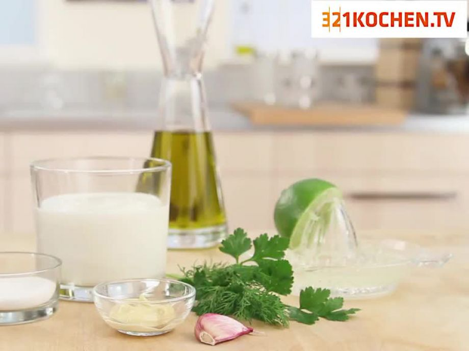 Joghurt-Dressing Rezept | EatSmarter