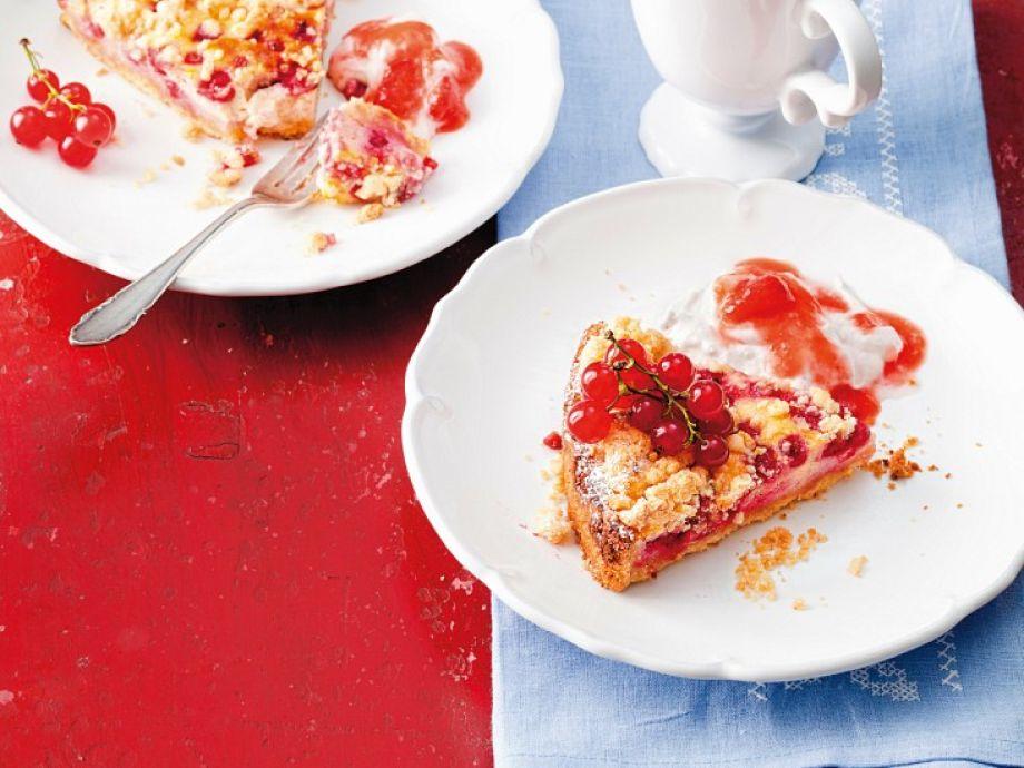 Johannisbeer-Streusel-Kuchen Rezept | EatSmarter