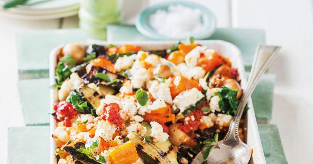 Auflauf mit Kürbis, Zucchini, Champignons, Spinat