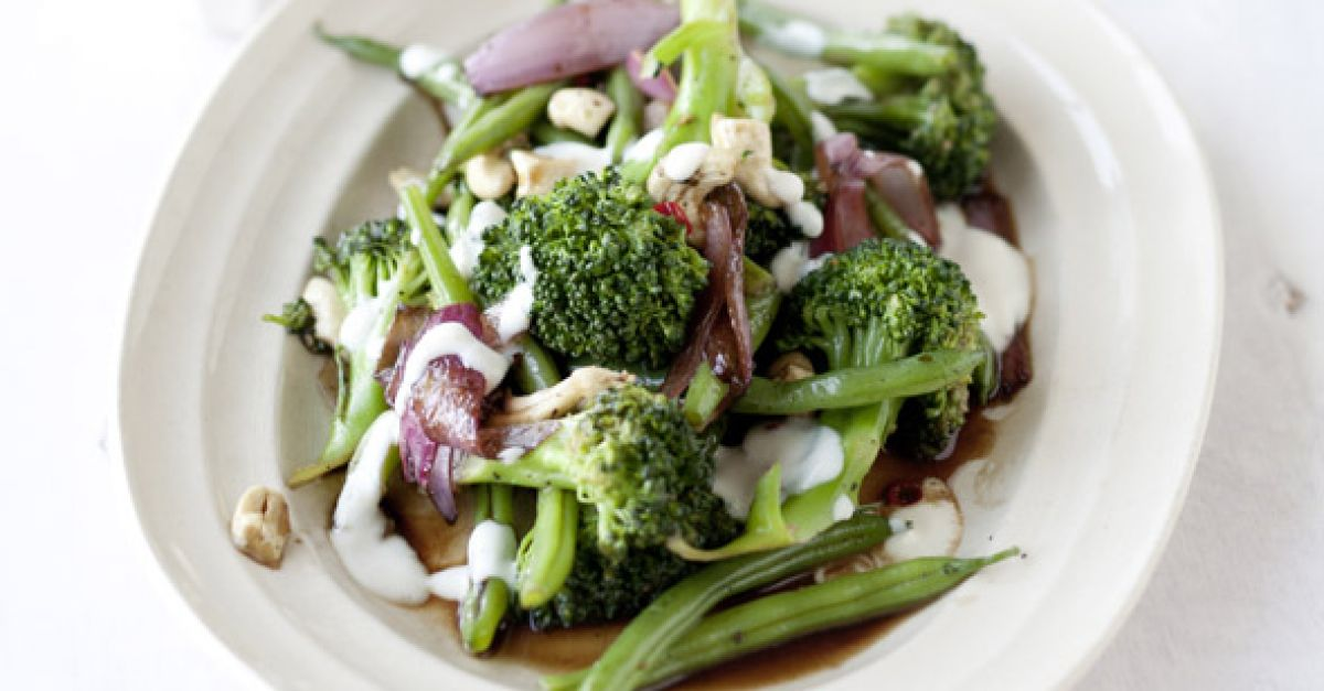 brokkoli bohnen salat mit tofudressing rezept eat smarter. Black Bedroom Furniture Sets. Home Design Ideas