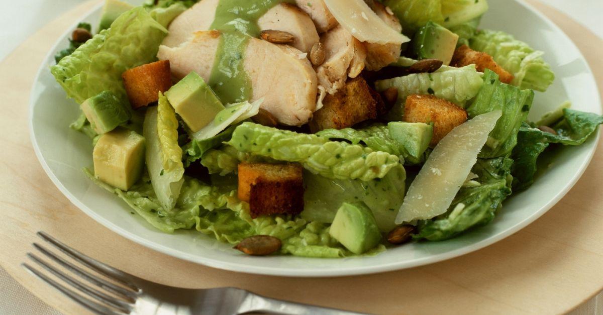 c sar salad mit avocado rezept eat smarter. Black Bedroom Furniture Sets. Home Design Ideas